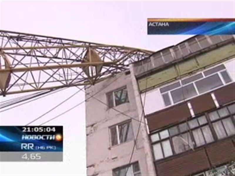 В результате сильнейшего удара стихии в Астане погибли два человека