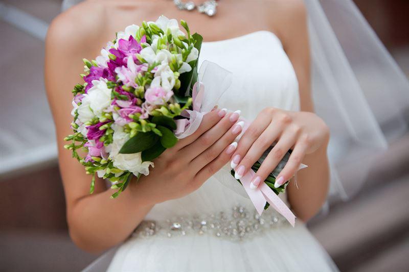Казахстанскую невесту выдворили из РФ