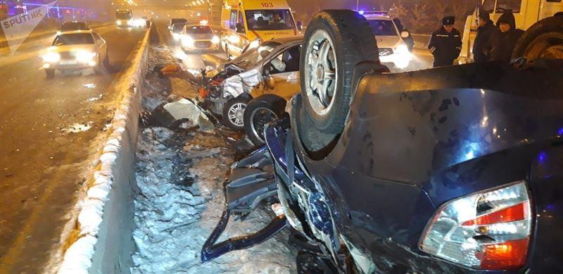 Крупная авария в Алматы унесла жизни двух человек