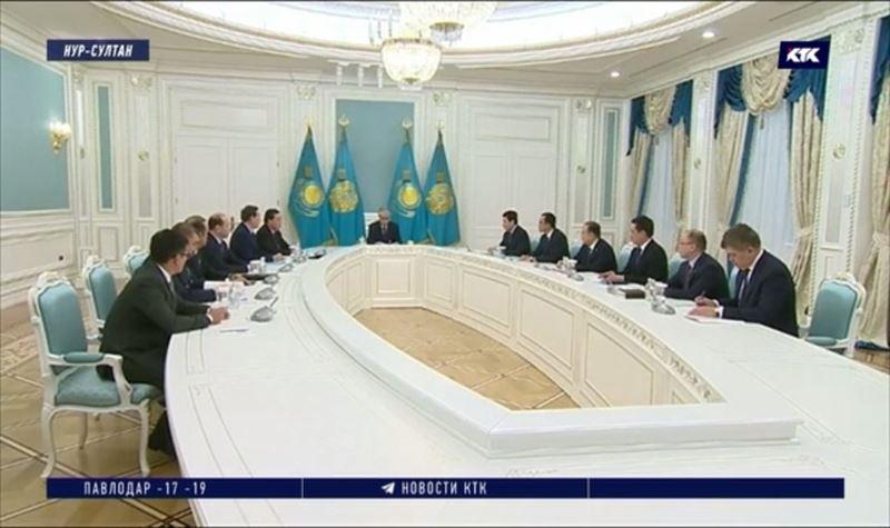 Президент провёл экстренное совещание в Акорде