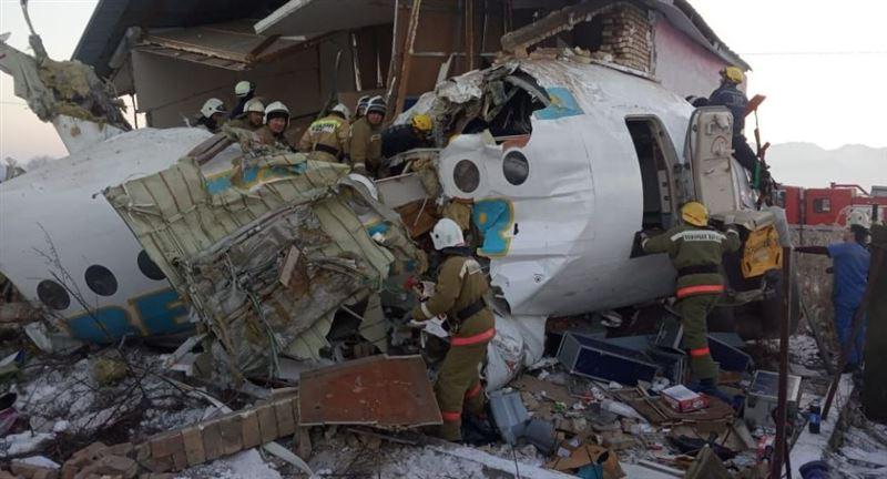 Черные ящики рухнувшего под Алматы самолета будут направлены в Москву