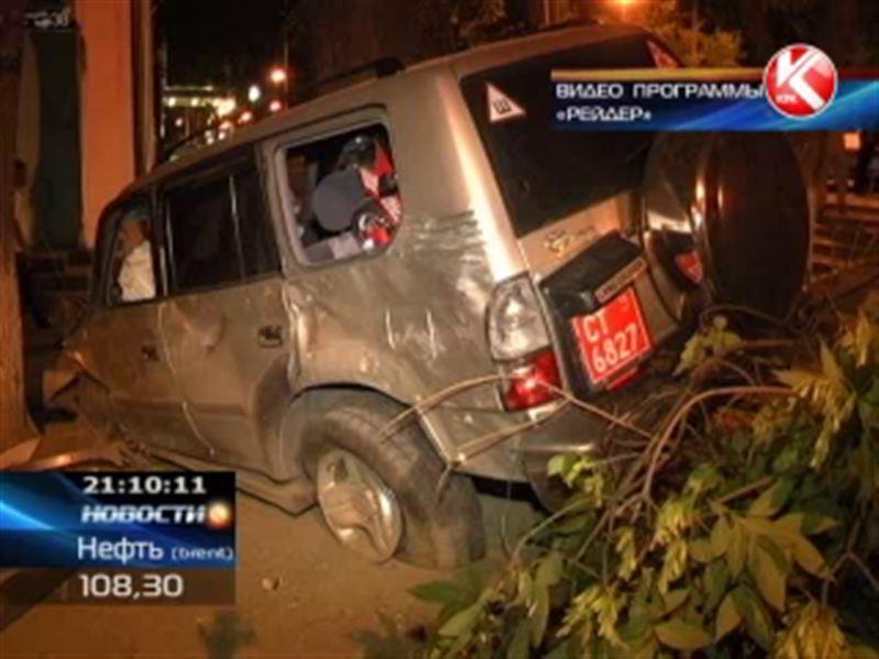В Алматы в жуткой аварии погиб участковый инспектор