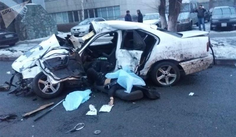 Водитель стал жертвой аварии в Алматы