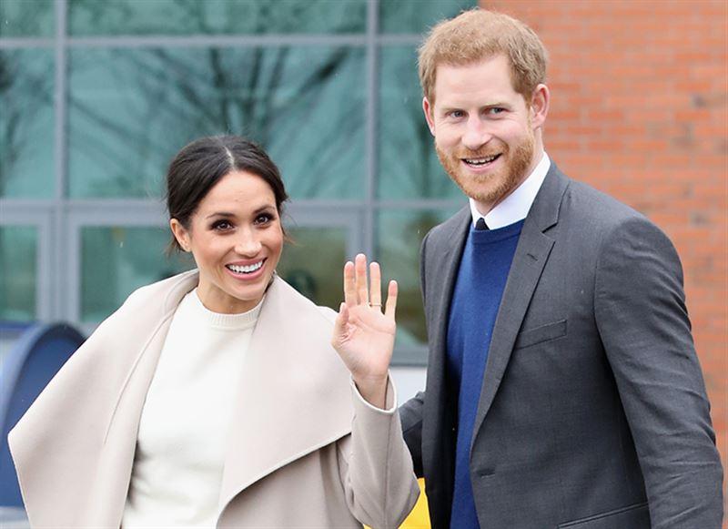 Принц Гарри и Меган Маркл решили сложить полномочия членов королевской семьи