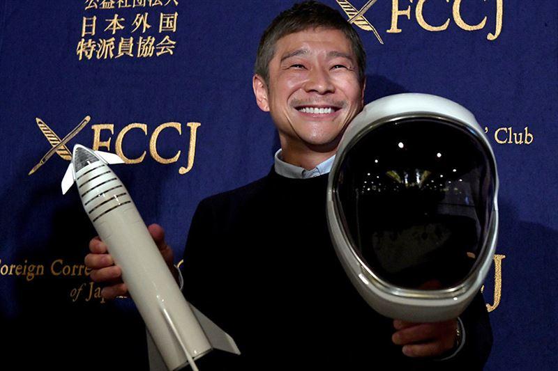 Миллиардер из Японии ищет невесту, с которой отправится на Луну