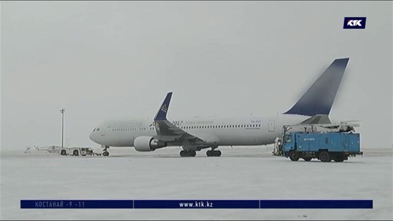 Авиакомпаниям напомнили о важности противообледенительной обработки самолетов