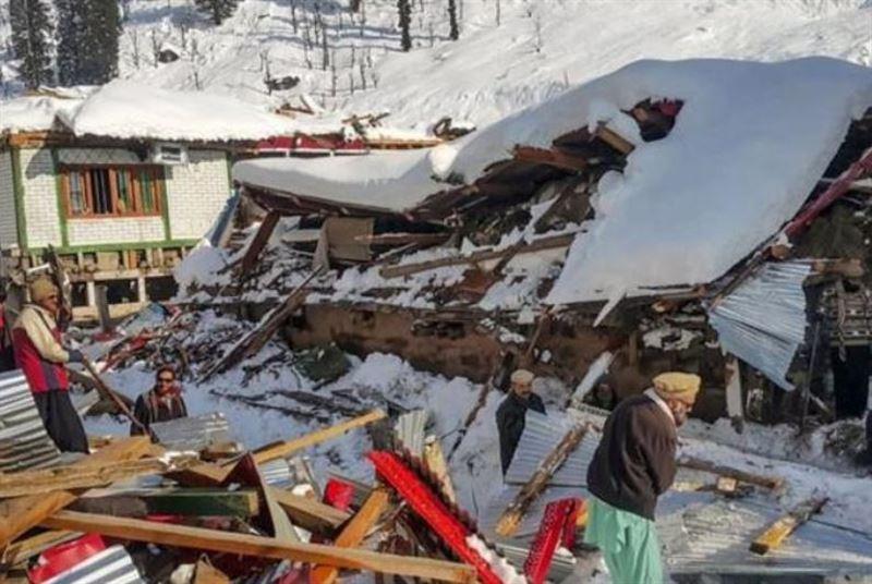 Кашмирдегі тау жынысы сырғымасынан 62 адам қаза тапты