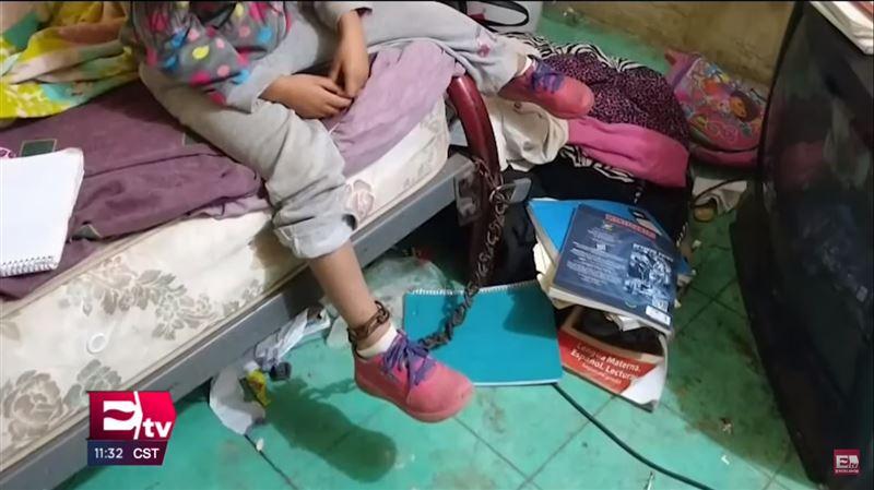 5-летняя девочка найдена прикованной к кровати