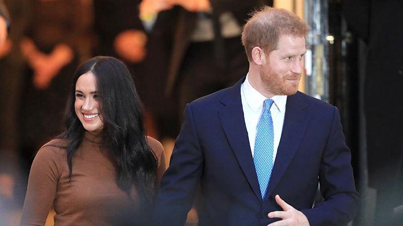 Королева Елизавета решила судьбу внука: принц Гарри и Меган Маркл лишатся титулов и денег