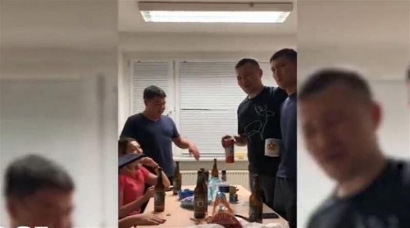 Германияда ішіп-жеп көңіл көтерген 8 магистрант оқудан шығарылды