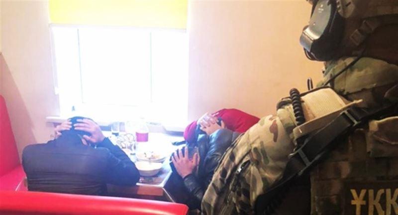В КНБ рассказали о задержании члена преступной группы