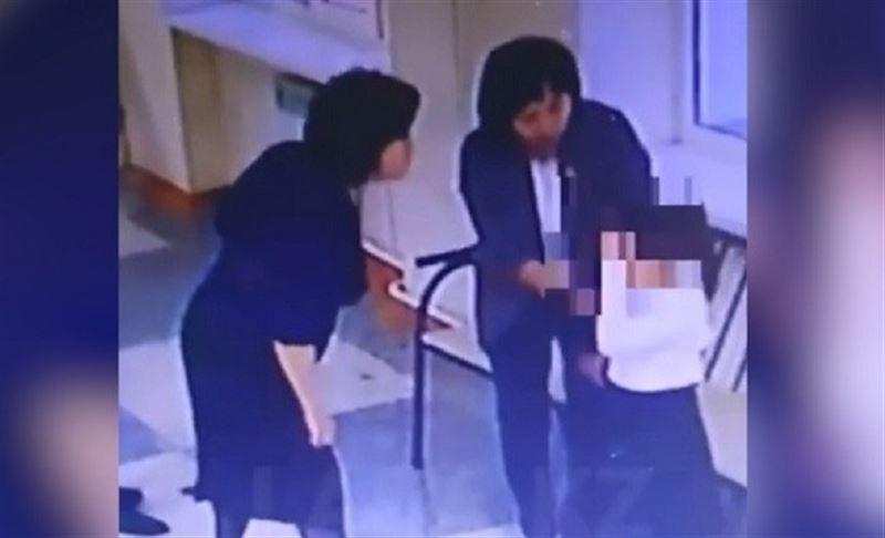 В Актау педагога обвинили в том, что она плюнула в лицо одной из своих учениц