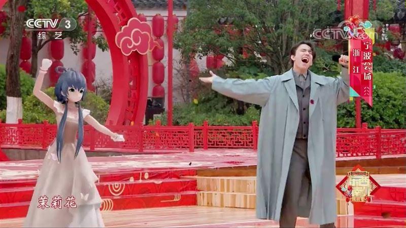 Димаш Кудайберген спел дуэтом с виртуальной суперзвездой Luo Tianyi