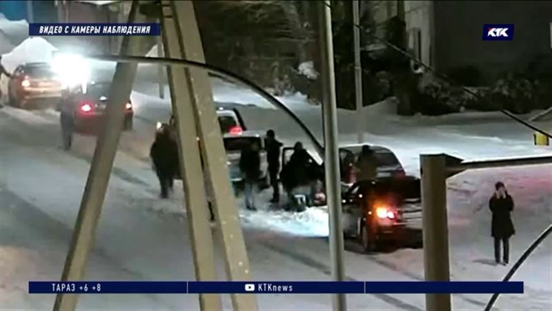 Клиент зарезал таксиста за опоздание