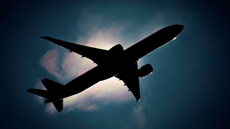 Самолет, на борту которого находились 83 пассажира, потерпел крушение в Афганистане