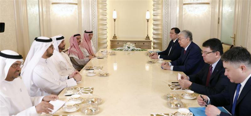 Президент Казахстана провел встречу с шейхом Суруром бен Мухаммедом Аль Нахаяном