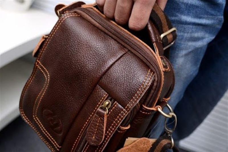 Около 28 тысяч долларов было похищено у бизнесмена в Акмолинской области