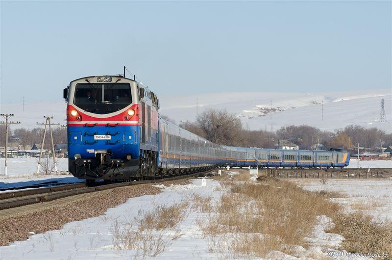 Поезд с 182 пассажирами сломался по пути в Алматы