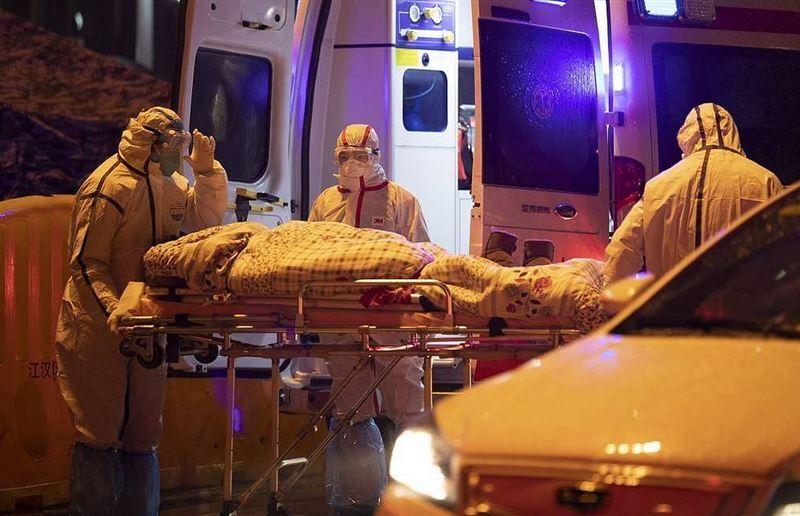Число жертв коронавируса в Китае достигло 636 человек