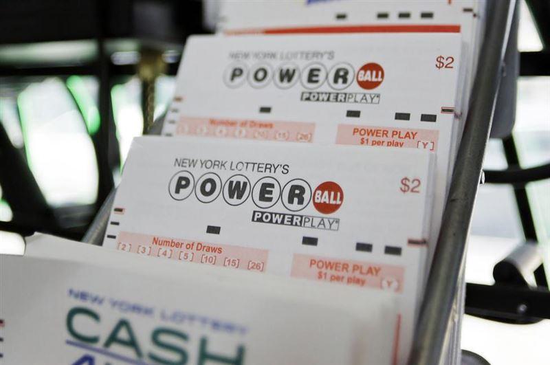 Американец 15 лет играл в лотерею и впервые сорвал джекпот