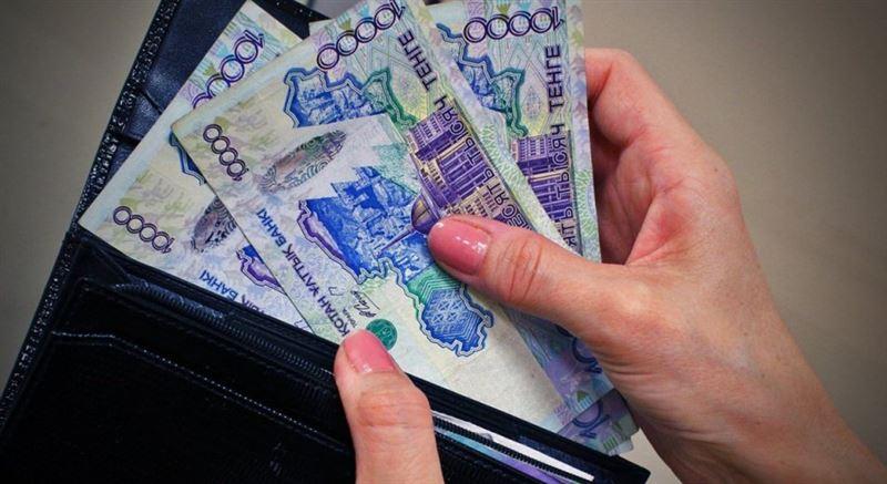 Размер среднемесячной зарплаты в Казахстане впервые превысил 200 тысяч тенге