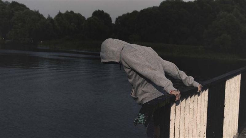 «Коронавирус жұқтырдым» деп ойлаған ер адам суицид жасады