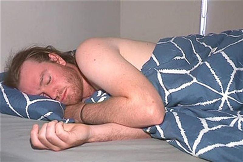 Австралиец проспал больше месяца из-за редкой болезни