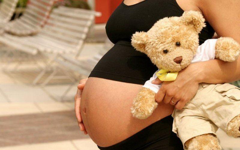 Стало известно, кто является отцом ребенка беременной семиклассницы