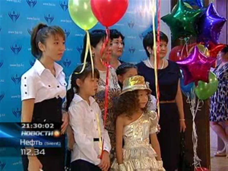 «Дорога в школу» - в Алматы прошла благотворительная акция, организованная Фондом первого Президента