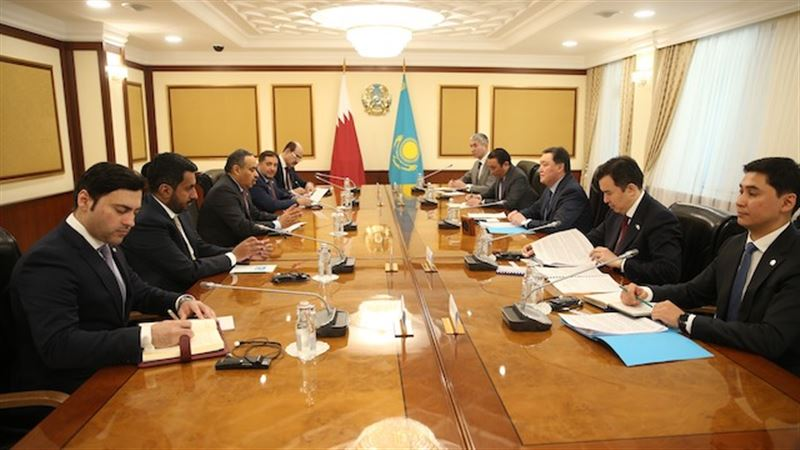 Мамин провел встречу с министром торговли и индустрии Катара