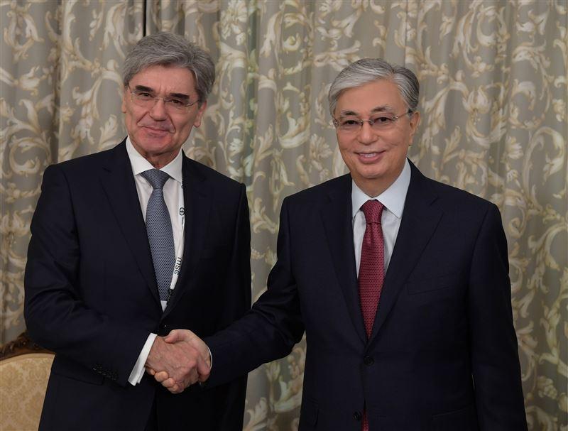 Глава государства встретился с председателем правления компании Siemens AG