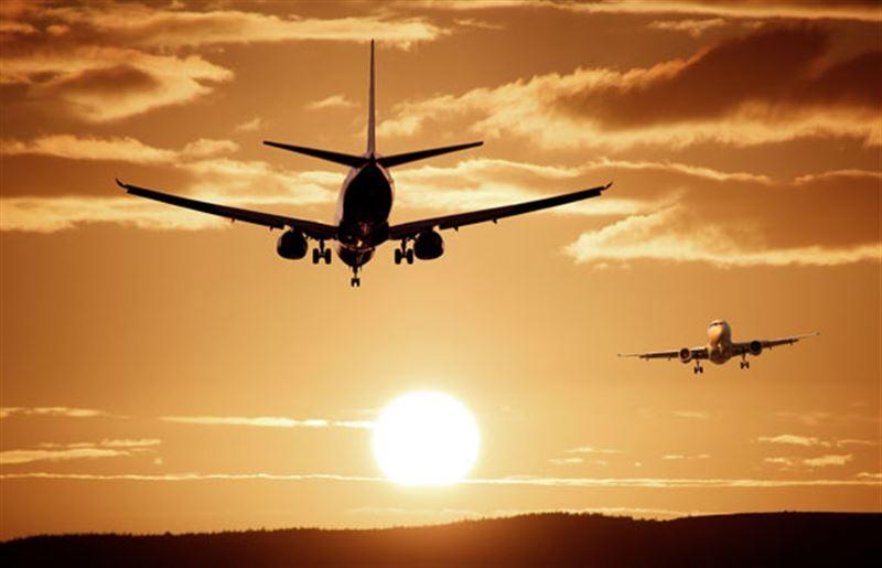 Пассажиров самолета эвакуировали из-за загоревшегося шасси