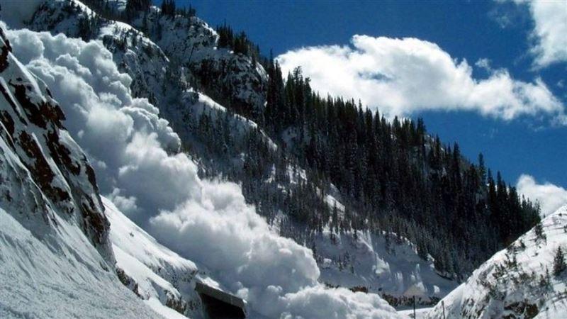 Лавина сошла в горах неподалеку от Алматы