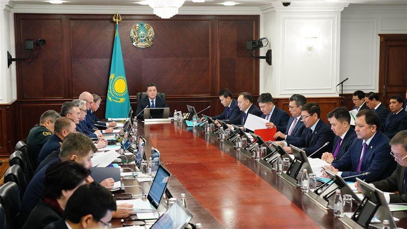 Правительство Казахстана сократит неприоритетные расходы на 128,6 млрд тенге