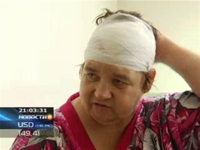 Жительница Семея получила кирпичом по голове, когда пришла в ГЦВП