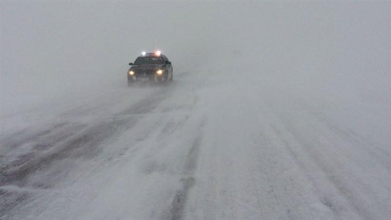 В Казахстане из-за метели и гололеда закрыли 52 трассы