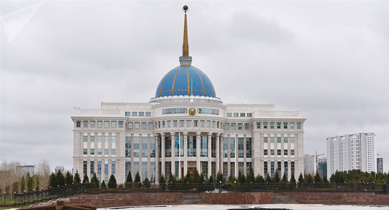 Глава государства принял в Акорде министра информации и общественного развития
