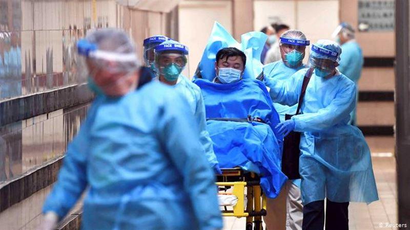 Китайский режиссер и его семья погибли от коронавируса