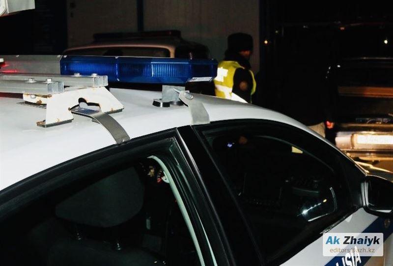 В Атырау клиенты взяли в заложники директора ломбарда Home Avto Invest