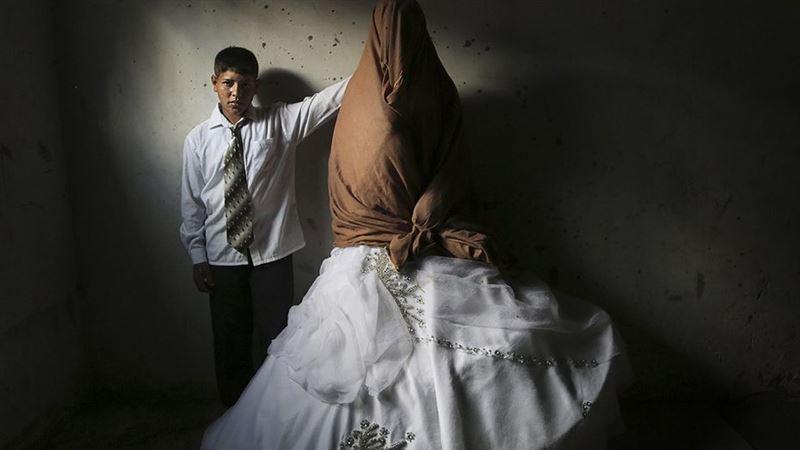 В Алматы мужчины пытались похитить девушку