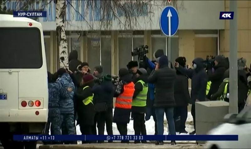 За субботние митинги привлекли к ответственности 10 человек