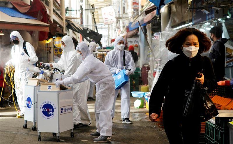 Стало известно, как долго китайский вирус живет на поверхностях