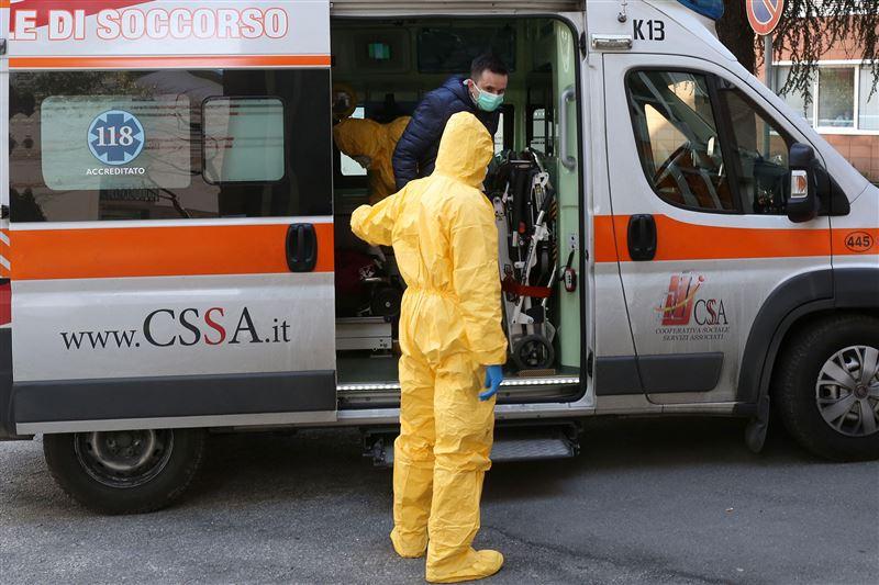 В Италии три футболиста заразились коронавирусом