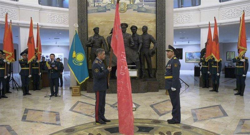 В республике на военном параде пронесут копию Знамени Победы