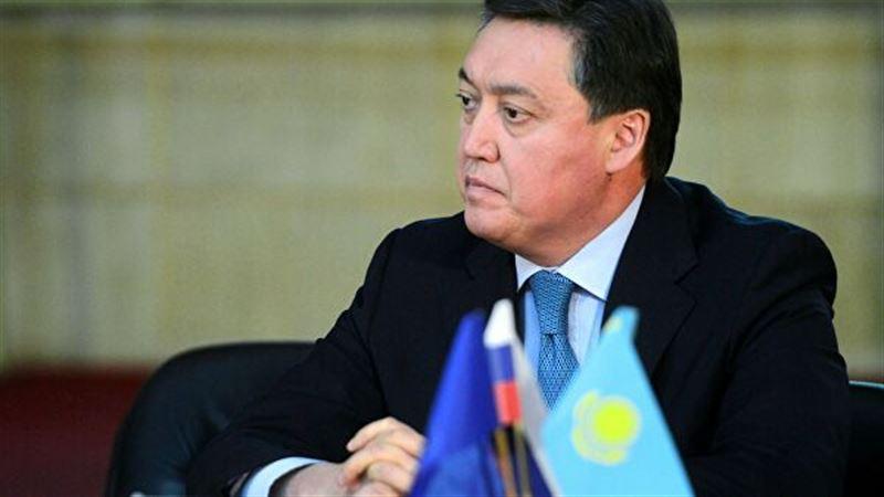 Аскар Мамин поздравил казахстанских женщин с Международным женским днем