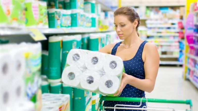 Женщины затеяли драку из-за рулона туалетной бумаги