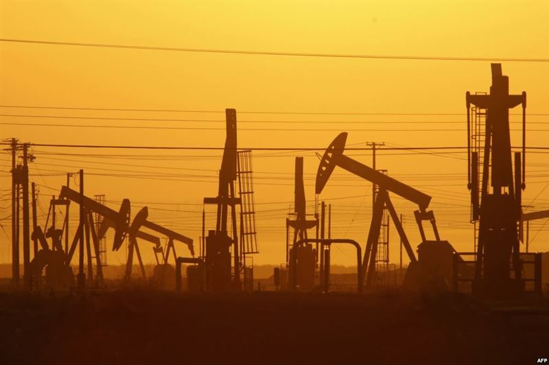 Мировые СМИ отреагировали на обвал цен на нефть, выразив обеспокоенность его последствиями