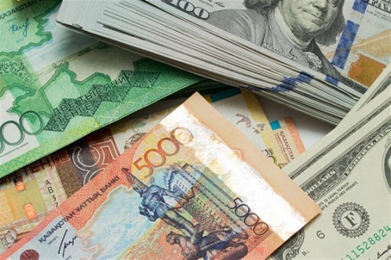 Доллар закрыл торги на отметке 394 тенге