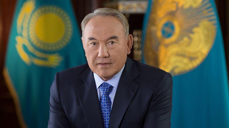Нурсултану Назарбаеву вручили премию «За заслуги перед государством и обществом»