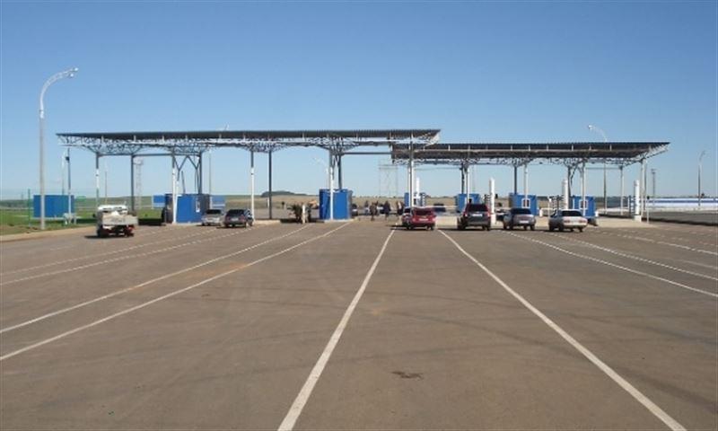 Власти Казахстана ввели ограничение на пересечение границ с Россией и Кыргызстаном